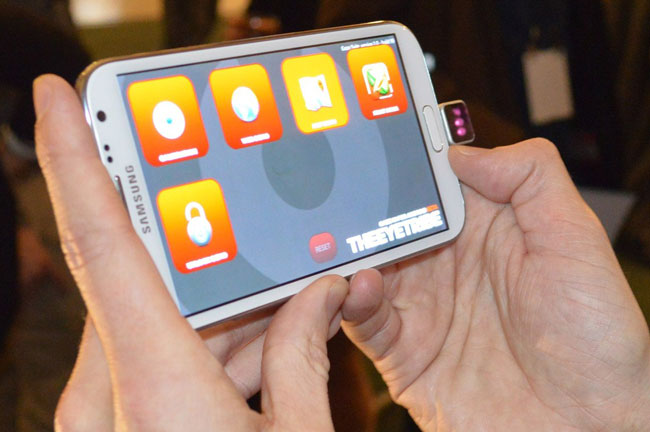 The Eye Tribe предлагает управлять смартфонами при помощи взгляда