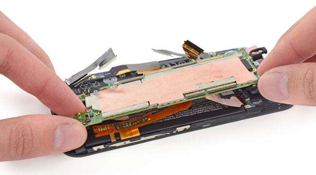 iFixit: смартфон HTC One (М8) почти непригоден для ремонта