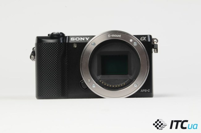Sony_Alpha_A5000_mount