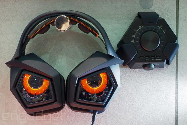ASUS-floor-Strix-Pro-Gaming-Headset