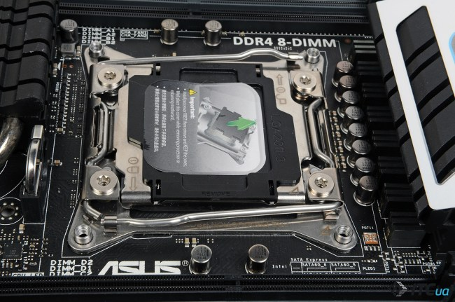 ASUS_X99-Deluxe_3