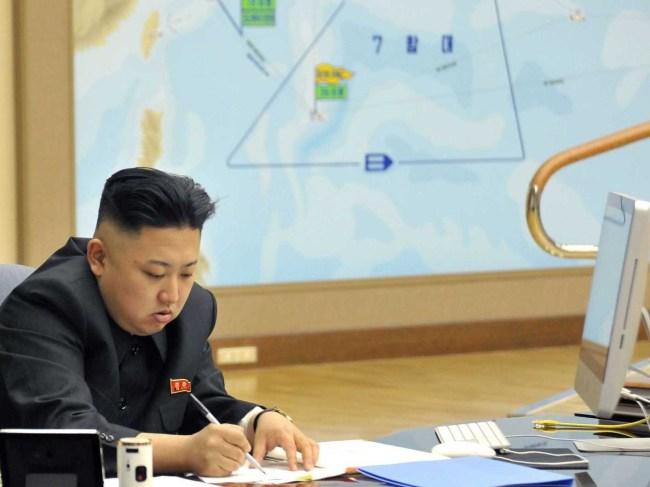 Маршал Ким Чен Ын, судя по всему, предпочитает продукцию Apple