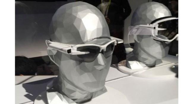 Sony показала на CES 2015 собственные умные очки SmartEyeglass