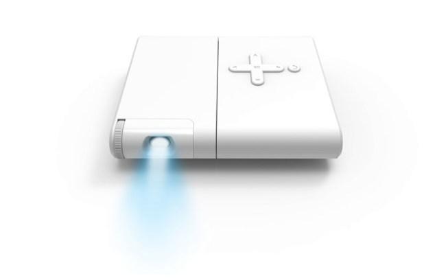 Lenovo показала на MWC 2015 мультимедийный смартфон A7000 и компактный проектор Pocket Projector