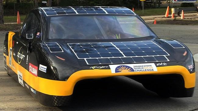 Электромобиль на солнечных батареях Sunswift eVe скоро может получить разрешение на эксплуатацию на дорогах общего назначения