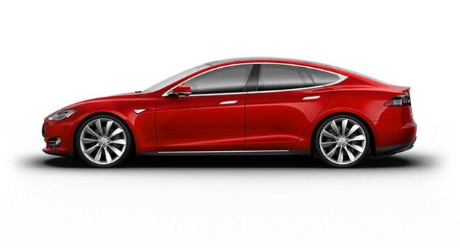 Tesla Motors приступает к продажам б/у электромобилей через интернет
