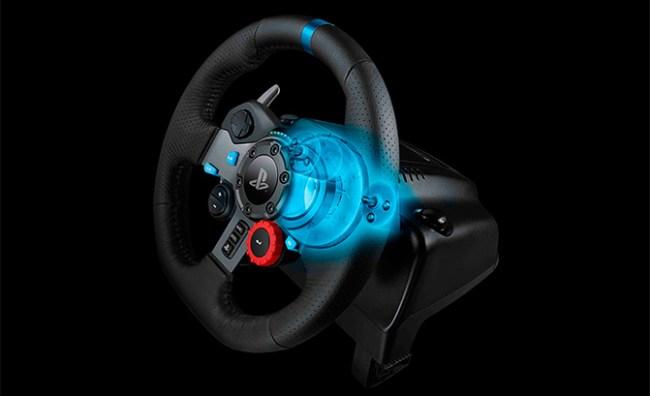 Logitech выпустила две модели игровых рулей для консолей и ПК