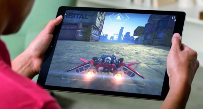 iPadPro_Lifestyle-Gaming-PRINT-671x362