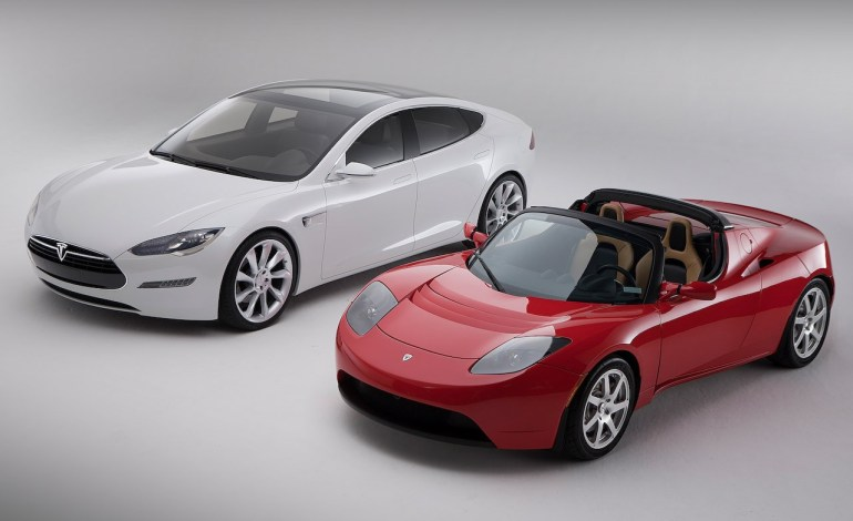 Tesla Roadster vs Model S
