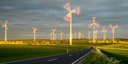 «Зелёная энергия» в Германии работает столь эффективно, что в течение нескольких часов потребителям доплачивали за использование электричества