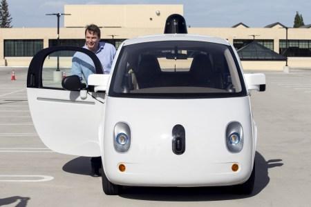 Google научит свои беспилотные автомобили, когда и как нужно сигналить