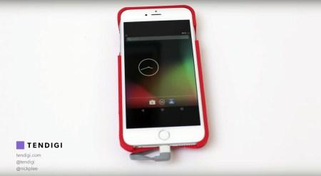Разработчик создал чехол, позволяющий запускать Android на iPhone