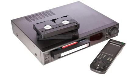 В этом месяце Япония выпустит последний VHS-видеомагнитофон