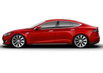 Автомобиль Tesla Model S с активным автопилотом попал в смертельное ДТП