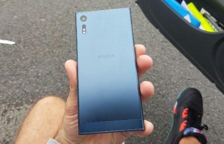 Первые снимки смартфона Sony Xperia F8331 демонстрируют совершенно новый дизайн
