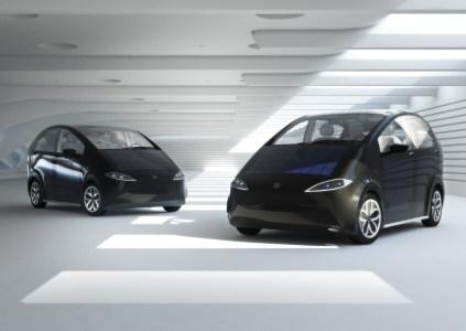 Немецкая компания Sono Motors планирует серийно выпускать электромобили SION с солнечными батареями на кузове и живым лишайником в системе вентиляции