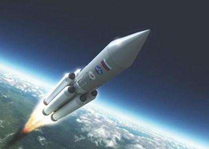 «Роскосмос» потратит $915 млн на создание нового космического корабля для полётов на орбиту Земли и к Луне