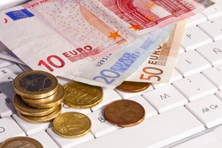 Новости экономики: Украина поднялась в рейтингах TPR и Doing business, с 1 января 2017 года минимальную зарплату повысят до 3200 грн и не будут трогать «упрощенку», прогнозы НБУ