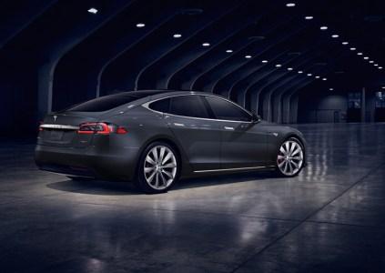 Новый автопилот Tesla будет работать в теневом режиме для сбора статистических данных и сравнения с ручным управлением