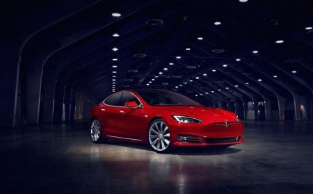 Новые версии электромобилей Tesla будут выходить практически ежегодно, а возможности модернизации старых моделей не будет
