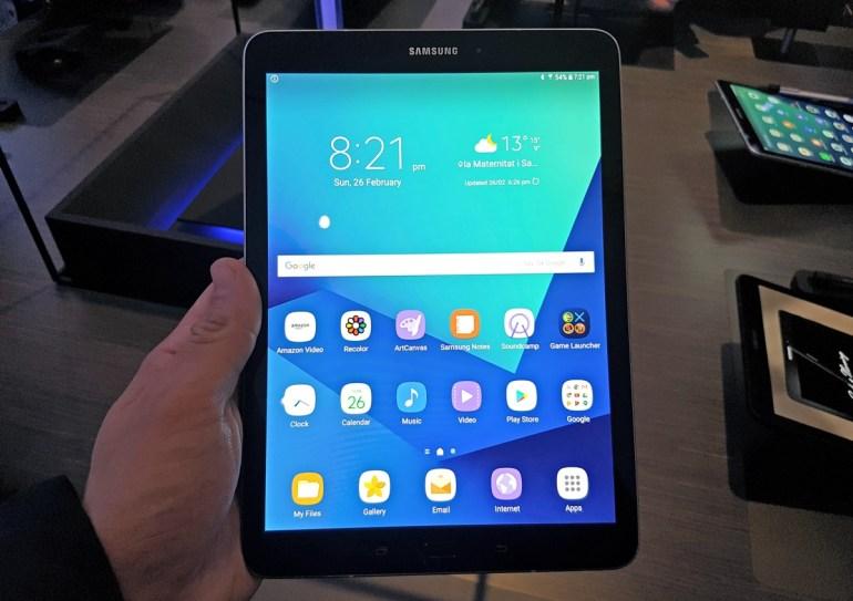 Первый взгляд на планшет Samsung Galaxy Tab S3