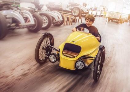 Легендарный британский автопроизводитель Morgan представил EV3 Junior — трехколесный электромобиль для детей стоимостью $10 тыс.