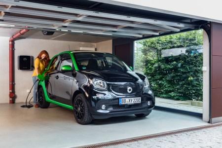 «Исключительно электромобили»: Осенью текущего года Smart прекратит продавать в США и Канаде бензиновые версии своих автомобилей