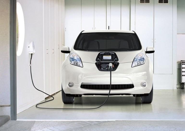 """""""Ниссан Мотор Украина"""": Официальные поставки электромобиля Nissan Leaf в Украину начнутся после введения налоговых льгот и адаптации модели к нашим условиям эксплуатации"""