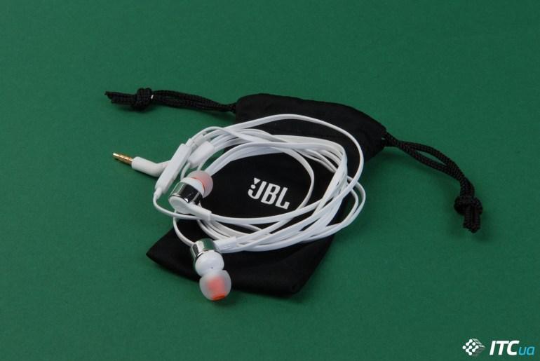 Обзор JBL T210: первые удачные бюджетные наушники JBL?
