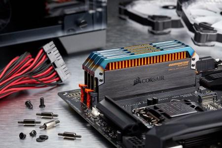 Название новых модулей памяти Corsair Dominator Platinum Special Edition Torque DDR4 полностью отражает их избыточность