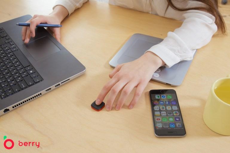 Украинцы создали умную кнопку Berry для управления смартфоном и умным домом