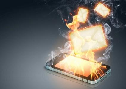 «Мертвые души из Лайф»: lifecell пожаловался в НКРСИ на проблемы с приемом своих SMS сетью Киевстар, та в свою очередь назвала их «нежелательными массовыми рассылками»