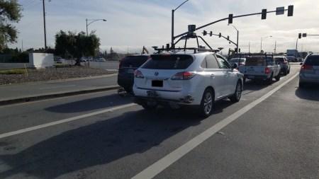 Тим Кук впервые подтвердил, что Apple работает над технологиями автономного вождения