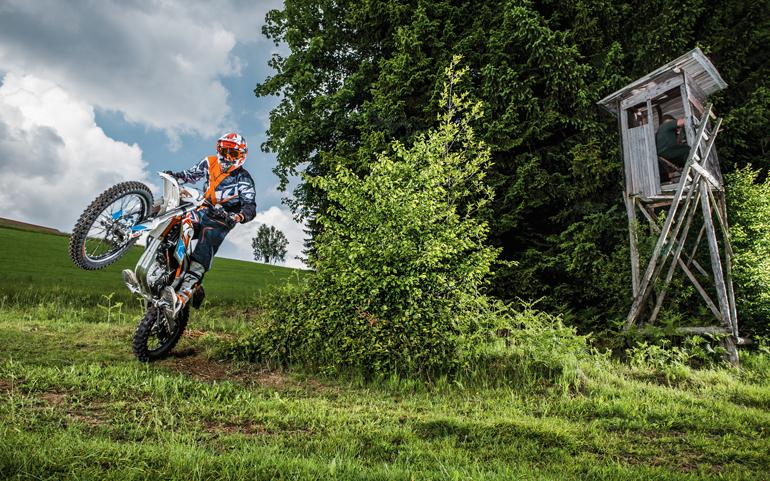В США начали продавать внедорожный электрический мотоцикл KTM Freeride E-XC стоимостью $8299