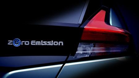 Nissan опубликовал очередное тизерное изображение и видео электромобиля Nissan Leaf 2018