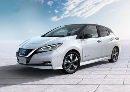 Nissan Leaf 2018 представлен официально: аэродинамический дизайн, электродвигатель 110 кВт, батарея 40 кВтч, запас хода 240 км и цена от $29,9 тыс
