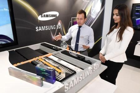 Samsung SDI показала во Франкфурте новые конфигурируемые батареи, способные обеспечить электромобилю дальность хода до 700 км