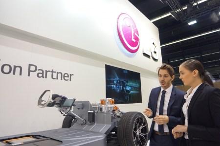 LG представила на Франкфуртском автосалоне OLED-технологии нового поколения, которые будут использоваться ведущими европейскими автопроизводителями