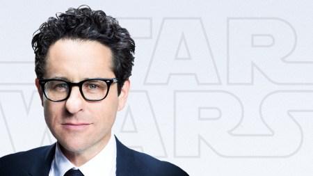 Режиссером и сценаристом девятой части «Звездных Войн» станет Дж. Дж. Абрамс, который заменит уволенного из-за творческих разногласий Колина Треворроу