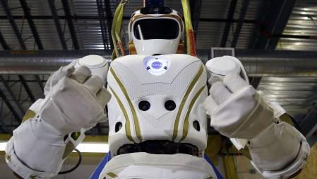 Институт инженеров электротехники и электроники IEEE представил три этических стандарта для роботов