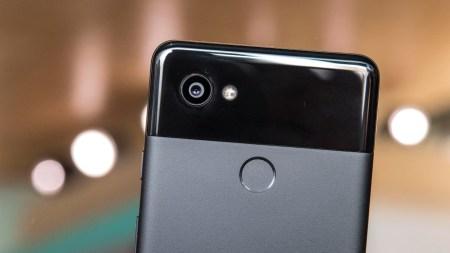 Еще одна проблема с Google Pixel 2. При светодиодном освещении камера смартфона снимает с заметными полосами