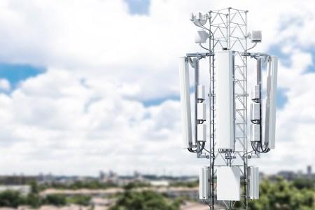 НКРСИ предлагает отменить НДС на международные услуги связи для украинских мобильных операторов, что теоретически может привести к снижению тарифов на роуминг