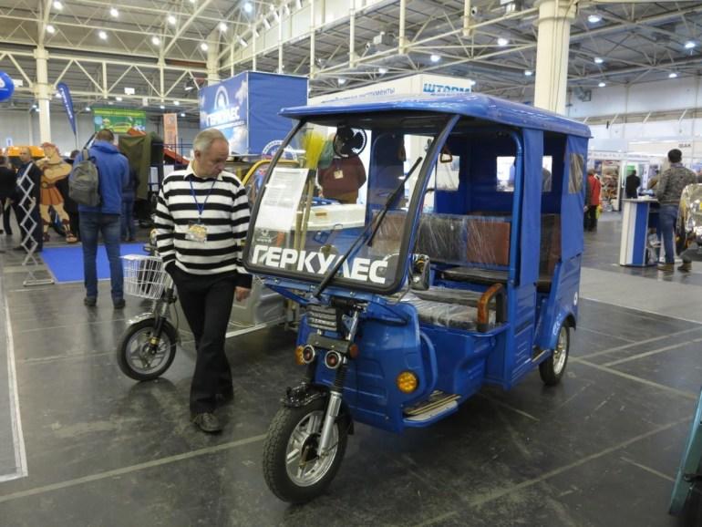 В Украине начинаются продажи доступных электромобилей и трициклов по цене от 62 тыс. грн, а во Львове планируют открыть сеть бесплатных зарядных станций