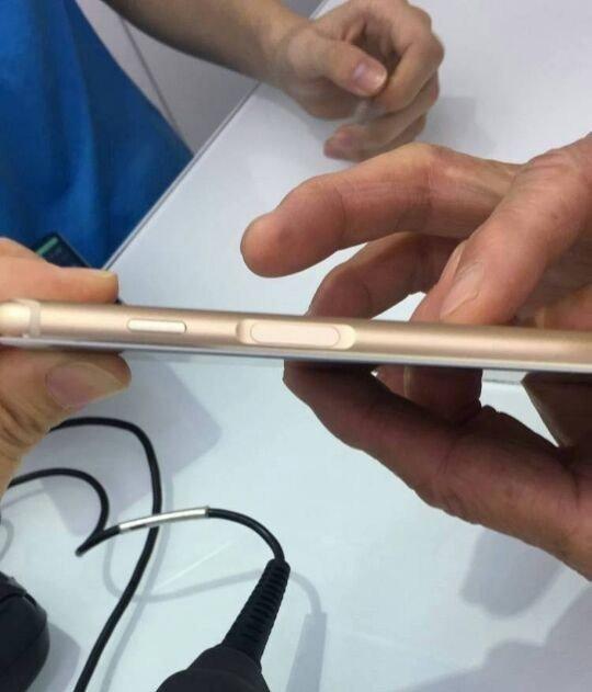 В сеть попали новые фотографии и спецификации безрамочных смартфонов Meizu M6S и M15 Plus