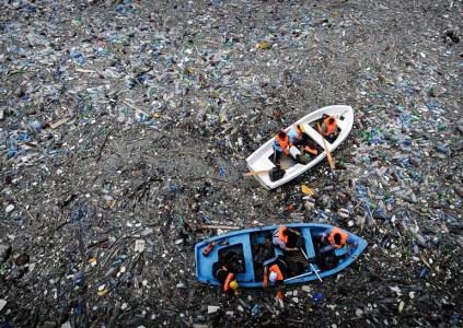 Dell, General Motors, Microsoft и другие объединили усилия в рамках инициативы NextWave по использованию переработанного океанического пластика