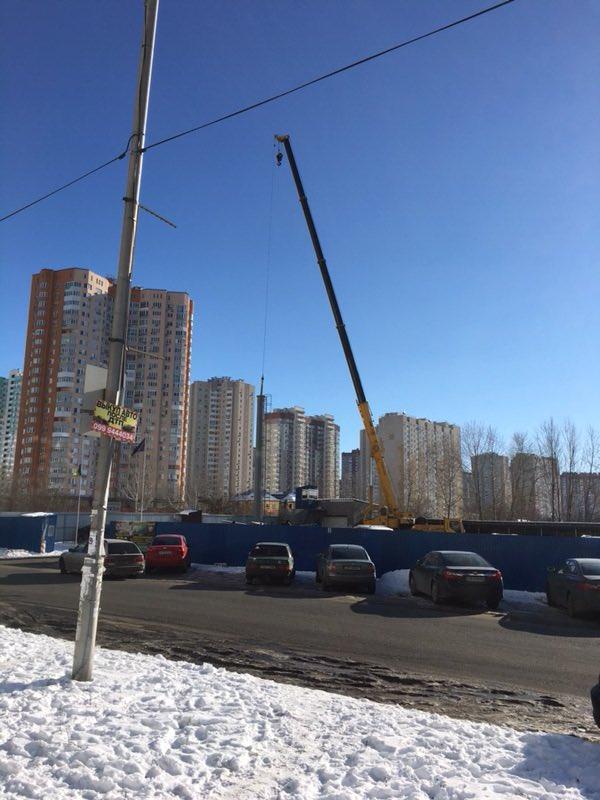 Жители Осокорков добились демонтажа базовой станции «Киевстар», потому что заподозрили радиоволны во влиянии на здоровье
