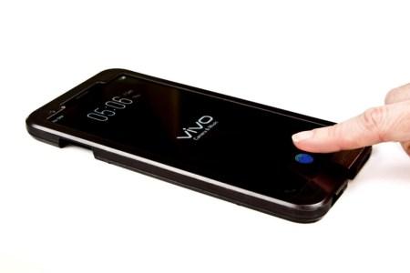 Vivo показала первый смартфон со сканером отпечатков пальцев в дисплее, но не рассказала о нем практически ничего