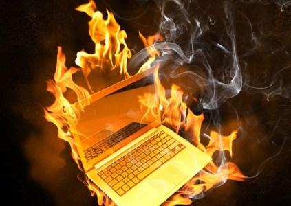 HP инициировала отзыв и замену батарей для ноутбуков из-за их перегрева