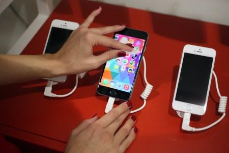 В iOS появится возможность отключения автоматического замедления iPhone при износе аккумулятора