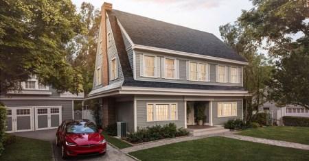 Tesla наконец начала серийный выпуск «солнечных крыш» Solar Roof
